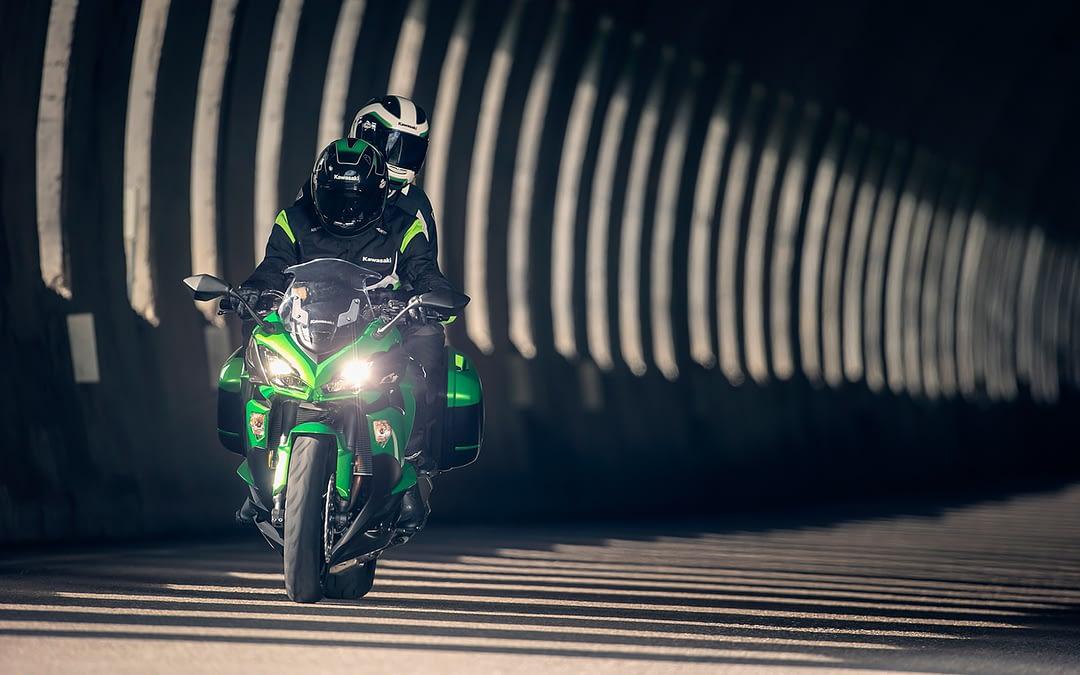 Comment changer les phares de sa moto ?