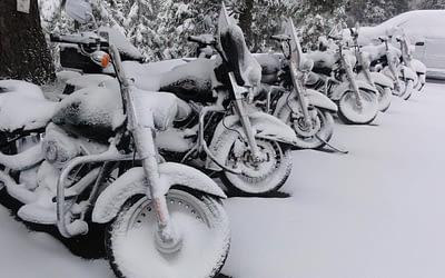 Entretenir sa batterie moto en hiver