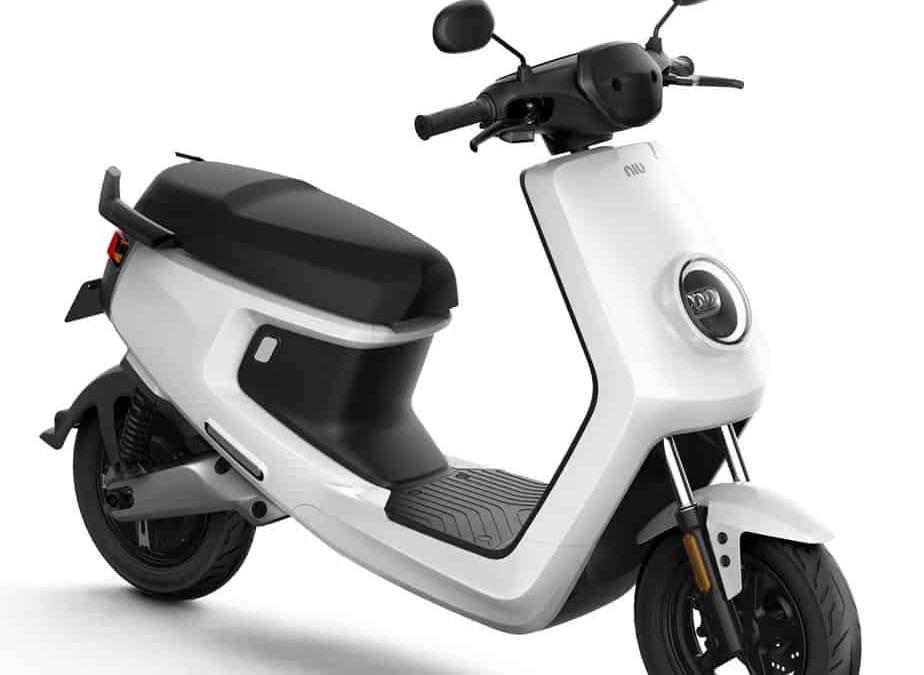 un scooter électrique niu m