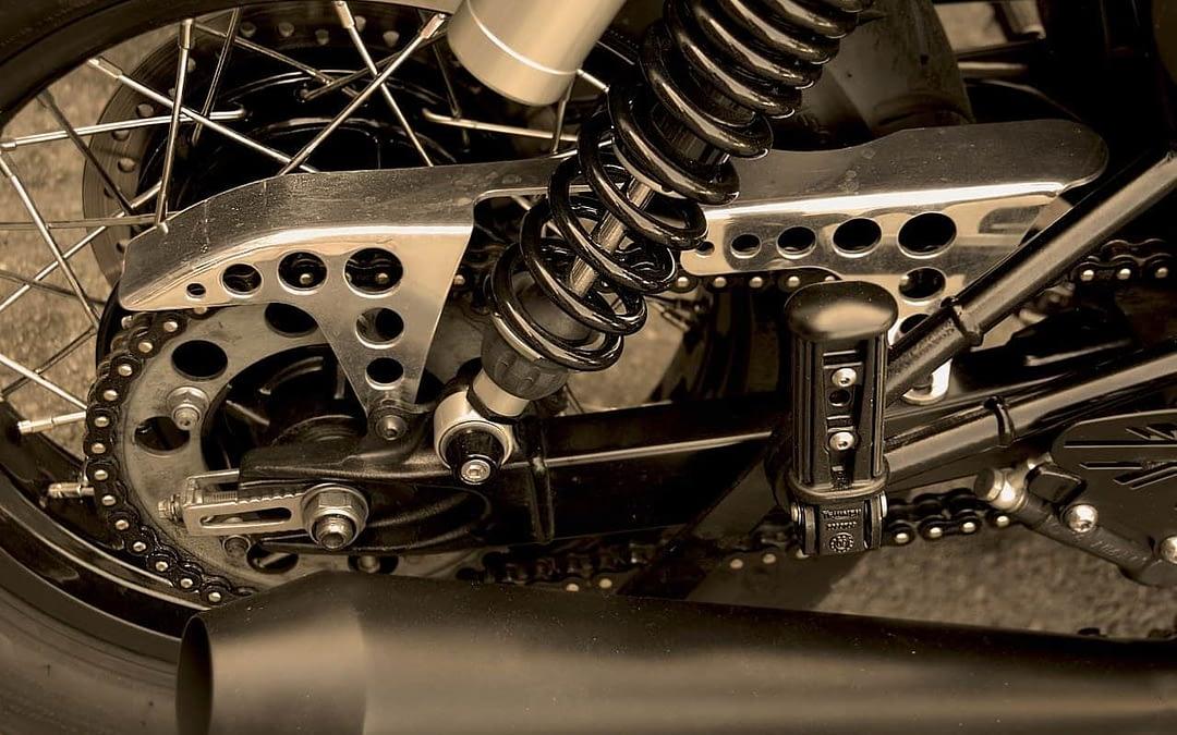 Comment changer une chaine moto sans fin ?